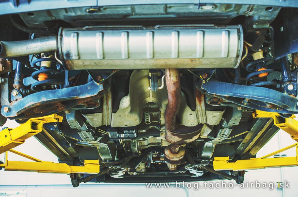 Jarná prehliadka auta: Skontrolujte si aj podvozok