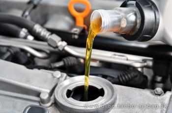 Ako správne postupovať pri výmene oleja v aute?